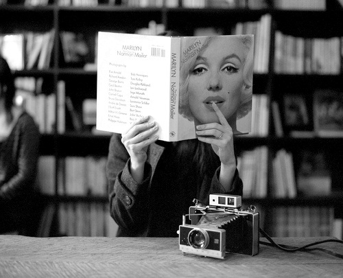 Marilyn Reading a Book Read 50 Books in 2012