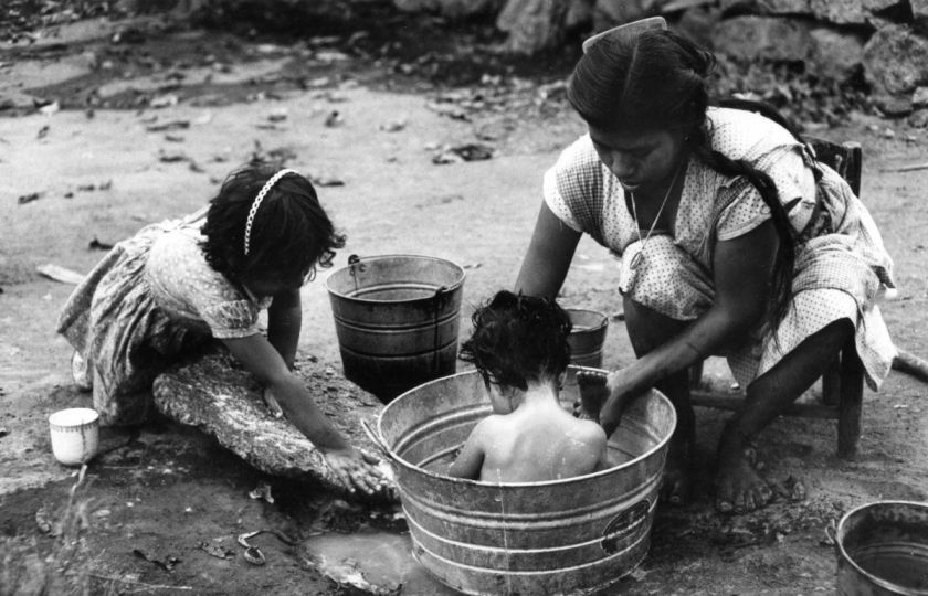 50-Year-Old-Forgotten-Photos-of-Motherhood-by-Ken-Heyman-03
